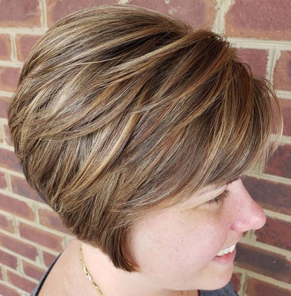 40 Classy Short Haircuts and Hairstyles that Suit Thick Hair