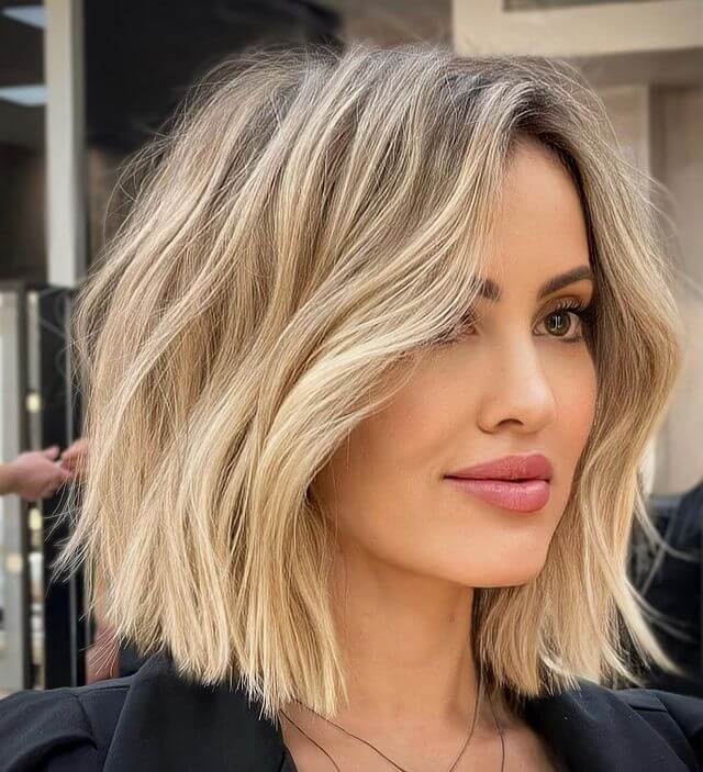 Collarbone Cut with Soft Waves